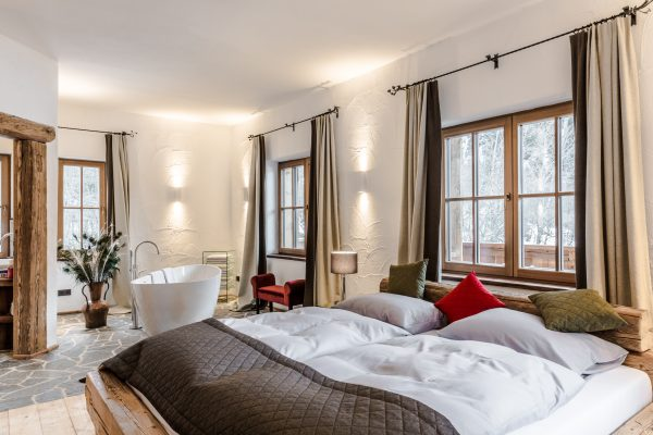 Juniorsuite Romantik im Luxuschalet in den Bergen